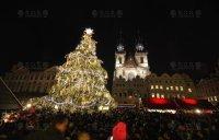 VIDEO: Světelná animace vánočního stromu s hudebním doprovodem, Praha - Staroměstské náměstí 2014